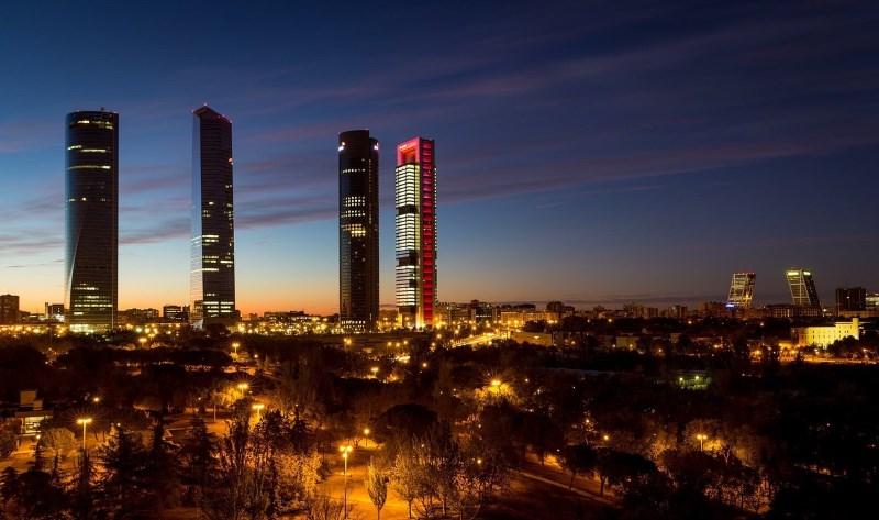 cidade de madrid a noite